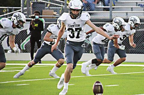 Foxes top Eagles in 57-47 shootout